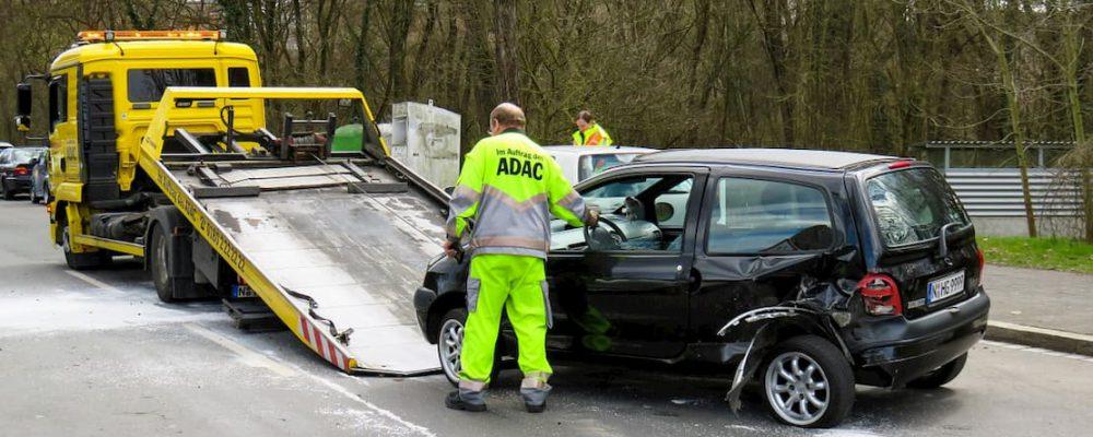 Holowanie samochodu po wypadku za granicą
