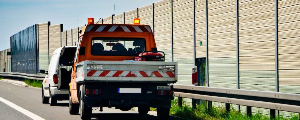 Samochód podczas awarii, pomoc drogowa