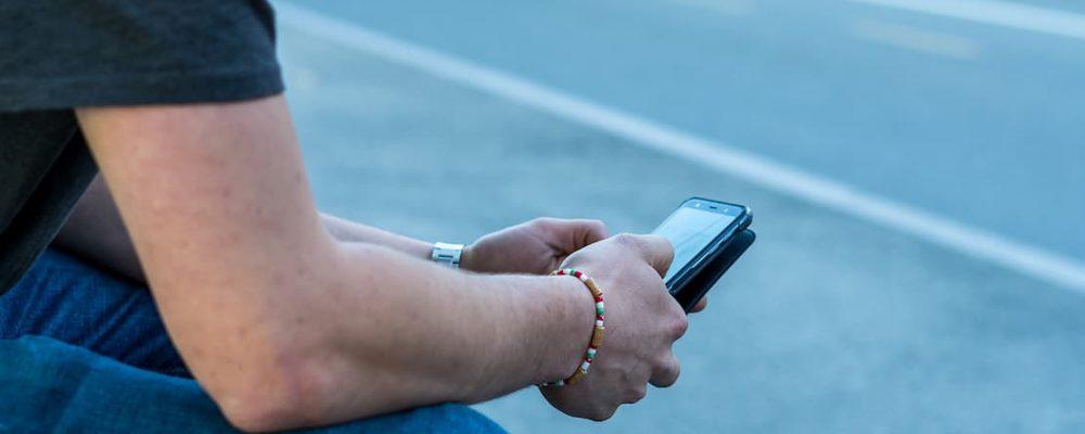 """Aplikacja UFG """"Na wypadek"""" – mobilne wsparcie kierowcy po kolizji"""