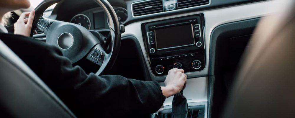 Deska rozdzielcza w samochodzie
