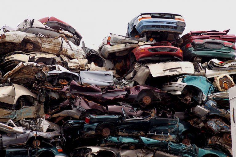 Złomowanie auta a OC – jak odzyskać część składki OC?